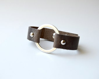 Leather Cuff With Metal Ring:  Rustic Brown Leather Bracelet With Bronze  Ring-- Joanna Gaines Inspired Leather Ring Bracelet