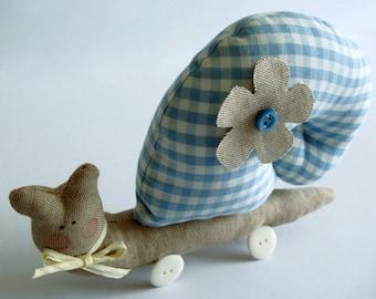 Large blue snail / cotton & linen