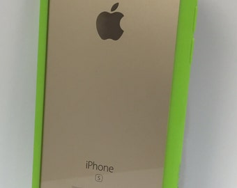 Durable and minimal iPhone 6 case (green)