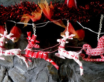Festive reindeer and sleigh garland digital pdf pattern, Christmas decoration pattern, Christmas tree decoration, Yule tree decoration