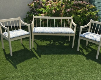French vintage bench and chairs