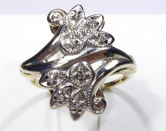 Antique 10k two tone 30's ring with 0.08ct single cut Diamond, size 6