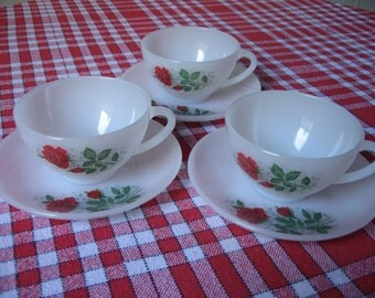 """3 cups Arcopal France """"Red Rose"""" pattern - large format - with saucers"""