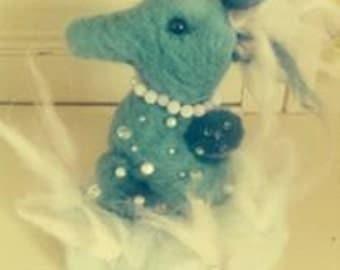 Beautiful handmade needle felted seahorse hanging decoration. Girls/ladies bedroom, wiindow, wardrobe, drawers etc
