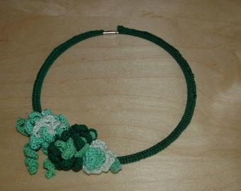 Collar shade of green.
