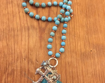 Ladies Turquoise dyed howlite beaded necklace
