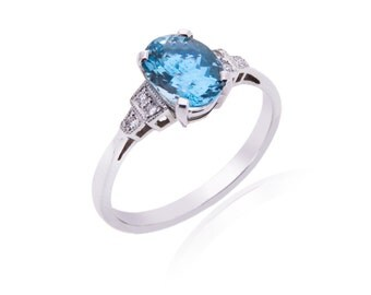 R043 Aquamarine and Diamond Ring
