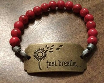 "Metal ""just breathe"" beaded bracelet red"