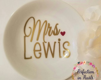 Personalized Mrs. Jewelry Dish // Engagement Ring Holder // Brides Gift // Bridal Gift // Gift under 10 // Stocking Stuffer