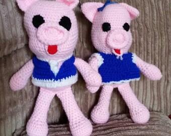 Handmade amigurumi pigs