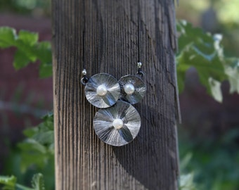 Lily Pad necklace (Silver, Pearl)