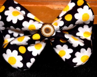 Daisy Hair Bow