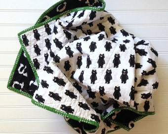 Black and White Baby Quilt - Bears - Modern crib quilt - You Pick The Back - bear blanket - gender neutral - wholecloth - toddler bedding