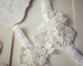 Dainty Lace Wedding Garter