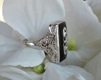 14k onyx & diamond ring