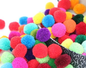 100 Pieces Colorful Yarn Pom Poms Jewelry Making / Decoration Party