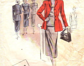 1940s WW2 Vintage VOGUE Sewing Pattern B32 Suit- Jackey & Skirt  (1123) Vogue 375