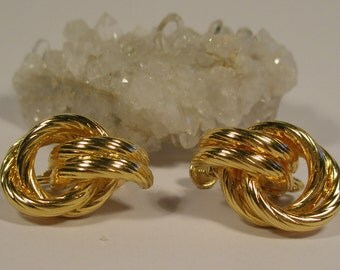 Vintage Napier gold tone earrings