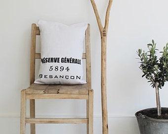 Linen Scatter Cushion - Besancon