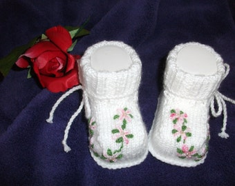 knitted baby shoes, baby shoes, baby socks, Babybooties * pink flowers *.