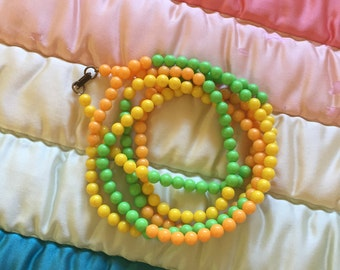 Retro Mod Hippie Tricolor Beaded Necklace
