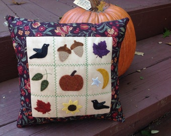 Kit; fall pillow with beautiful wool designs