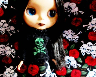 Blythe Sweater with Green Glittery Skull
