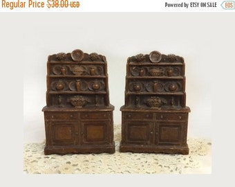 Set Kitchen Hutch Bookends, Vintage Syroco China Cupboard Book Ends, Cottage Chic Display, Rustic Farmhouse Decor