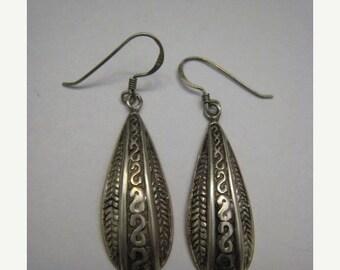Long Bali Vintage Sterling Silver Drop Textured Pierced Earrings Estate Jewelry