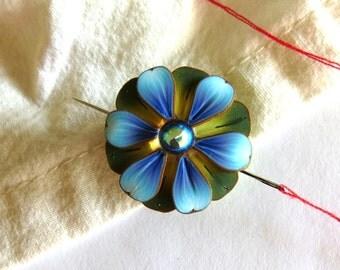 Blue Flower Needle Nanny, Sewing Needle Buddy, Sewing Accessory, Needle Minder, Sewing Needle Magnet