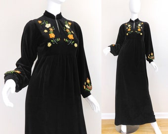 Sz 4 60s Embroidered Black Velour Maxi Dress - Vintage Women's Boho Gypsy Hippie Empire Waist Bishop Sleeve Long Floral Accent Dress