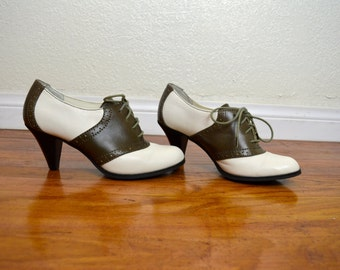 BASS oxford heel shoes / lace up shoes / sz 8