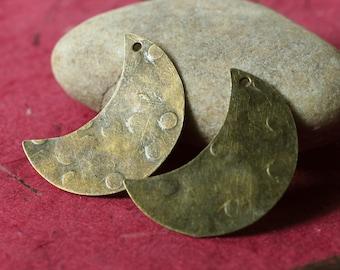 Hand hammered antique brass half moon dangle drop size 28x20mm, 2 pcs (item ID XW04486ABD)