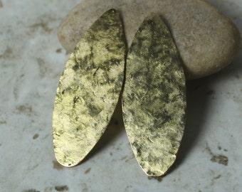 Hand hammered textured matt finish gold plated dangle size 46x18mm, 2 pcs (item ID XMXW01708GPK)