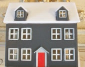 Miniature Dollhouse / Plastic Shaker Style Home / Scenemaker / Diorama / Vignettes