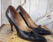 1950s black heels leather heels 50s pumps size 6 Vintage shoes Palizzio shoes
