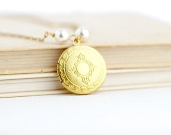 Delicate Locket - Gift For Wife Mom - Bridesmaids Locket - Friendship Locket - Simple Locket - Gift for Her - Gift For Girlfriend