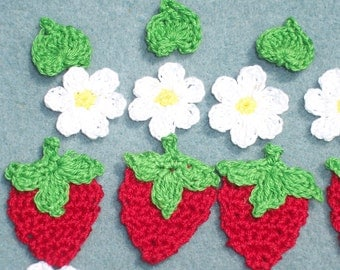 6 thread crochet applique strawberries with flowers and leaves  -- 2448