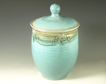 Lidded jar cookie jar canister