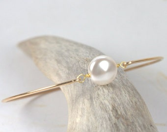 White Pearl Gold Filled Bangle Bracelet, Gold Bracelet, Pearl Bangle Bracelet, Pearl Bracelet, Bridal Jewelry [#840]