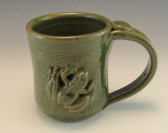 Hand Made Pottery Frog Mug/Pottery Froggy Cup