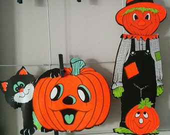 Sale - Two Vintage 60s Halloween Diecuts Die Cuts Black Cat with Jack-o'-lantern and Scarecrow