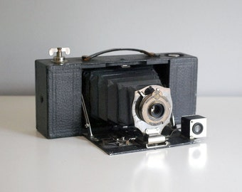 Brownie Automatic No 2A, Antique Camera, 1910 Kodak Folding Pocket Camera, Photo Equipment, Vintage Electronics, Industrial Man Cave Decor