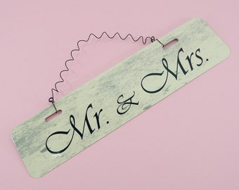 SIGN Mr & Mrs Metal Wire Cute Wedding Engagement Married Couple Reception Table Chapel Church Housewarming Gift Home Decor Keepsake
