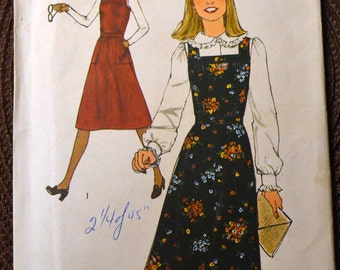 Vintage Sewing Pattern Simplicity 8118 Misses' Jumper  Size 10 Bust 32 Inches  Uncut Complete