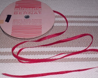 Vintage Bernat Silk And Rayon Knitting Ribbon Raspberry 75 Yards