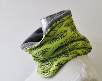 Neckwarmer, Fleece Cowl, Feather, Snowboard, Ski, Winter Clothing, Lime and grey
