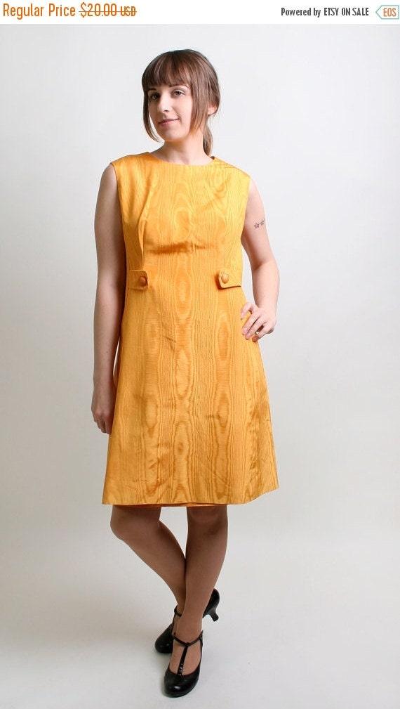 ON SALE Vintage A-Line Dress - 1960s Twiggy Honey Mustard Yellow Dress - Large