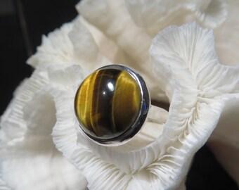 Beautiful Modern Tiger's Eye Ring Size 7.25