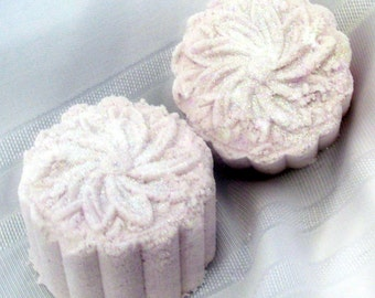 Gardenia Deluxe Bath Bomb(5oz) Handmade, Natural Exfoliation, moisturizes, aromatic, beautiful gift, wrapped/labeled (Stardust Soaps)